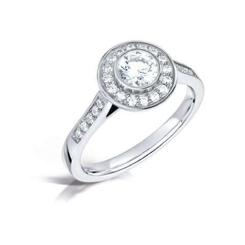 GIA Certified G VS Diamond cluster ring, Platinum. Round brilliant centre stone - 0.60ct